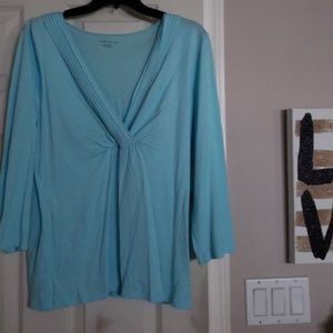 Cool summer top with necklace.